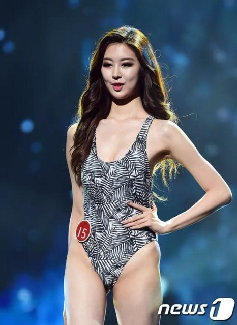 Thí sinh Kim Na Kyung gây chú ý với phần xương chậu đặc biệt