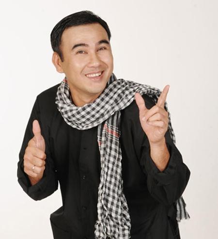 Mặc dù sở hữu khối tài sản triệu đô trong tay nhưng Quyền Linh lại là một trong những nghệ sĩ nổi tiếng giản dị, bình dân của showbiz Việt. - Tin sao Viet - Tin tuc sao Viet - Scandal sao Viet - Tin tuc cua Sao - Tin cua Sao