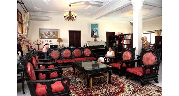 Hiện tại, Mỹ Lệ cùng chồng và hai con gái đang sống trong một ngôi nhà rất hoành tráng, với diện tích hơn 1.000m2, được sắp xếp khéo léo, tinh tế. - Tin sao Viet - Tin tuc sao Viet - Scandal sao Viet - Tin tuc cua Sao - Tin cua Sao