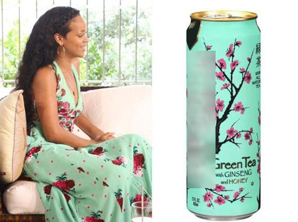 """Rihannacùngngười chị em """"hoa cỏ mùa xuân""""."""