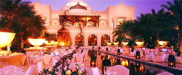 """Kết hôn ở Dubai không phải lo chạy vạy họ hàng mà được chính phủ hỗ trợ rất """"sộp""""."""