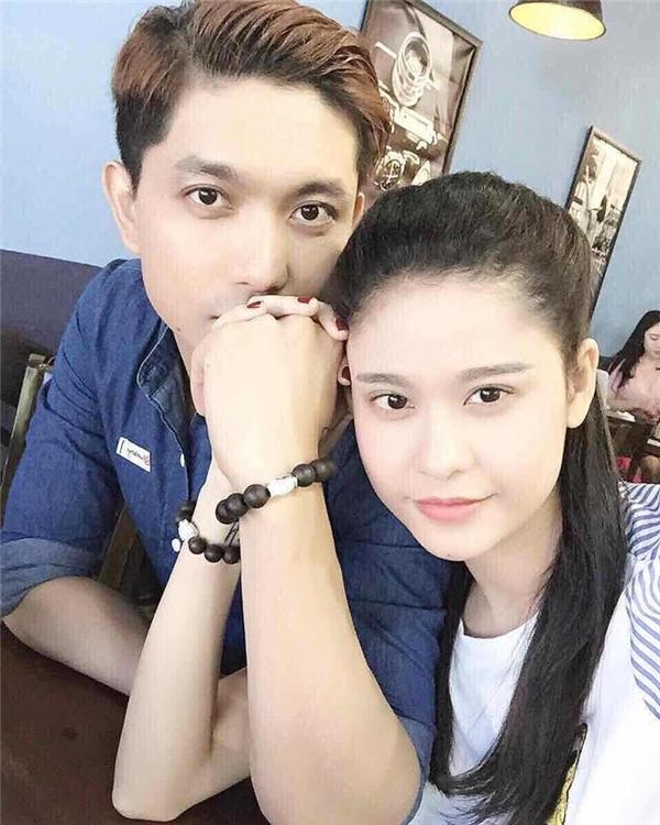 """Vợ chồng Trương Quỳnh Anh - Tim """"trốn"""" con trai Sushi đi hẹn hò cuối tuần."""