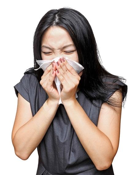 Viêm xoang, viêm họng mạn tính cũng có thể gây buồn nôn khi đánh răng.