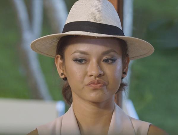 Quỳnh Mai không hài lòng với quyết định của Lan Khuê.