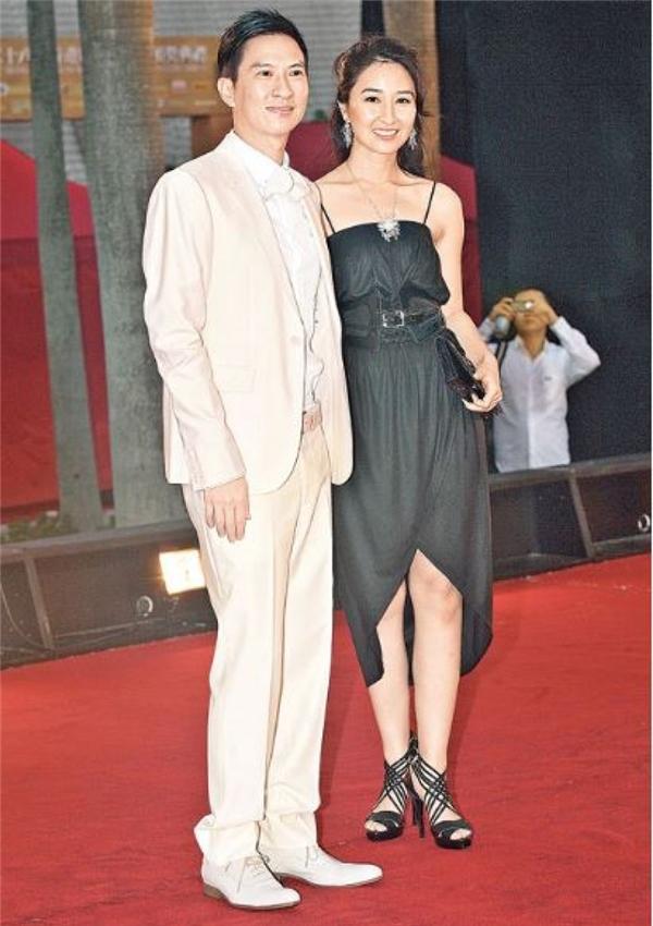 Cô luôn bên cạnh chồng từ khi anh còn là nam diễn viên không tên tuổi cho đến khi trở thành Ảnh Đế