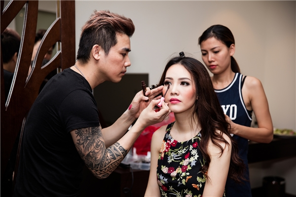 Thụy Vân và chuyên gia trang điểm John Kim.