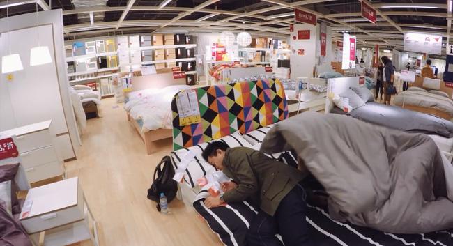 Những cảnh tượng thường thấy trong siêu thị nội thất.
