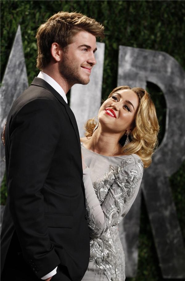 Fan bấn loạn với hình xăm khẳng định tình yêu với Liam của Miley