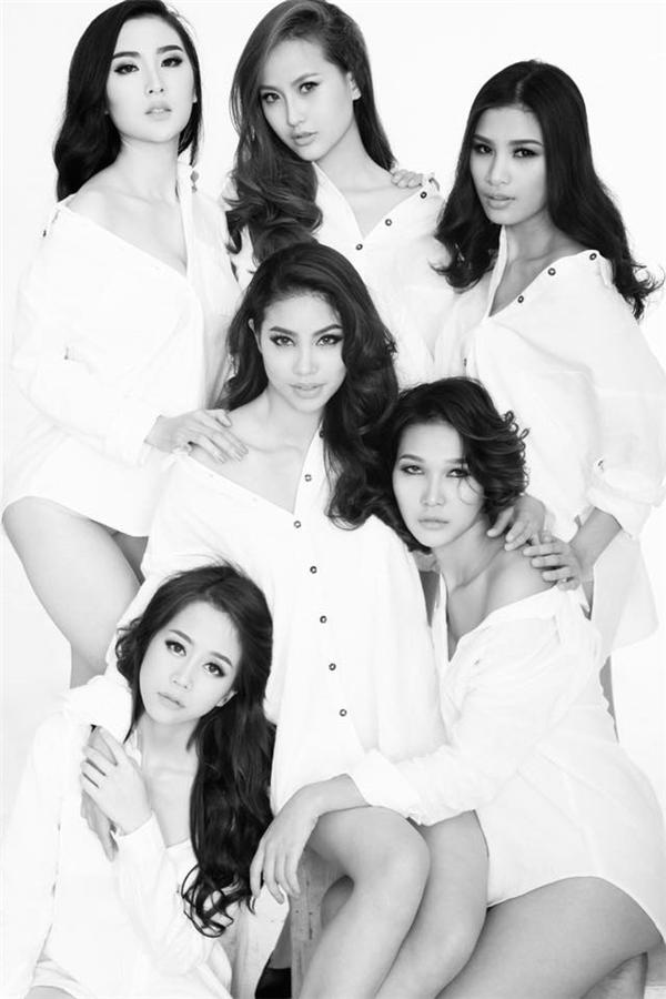 Trước đó, đội của Phạm Hương cũng từng thực hiện những khung ảnh tương tự nhưng với vẻ ngoài gợi cảm, ngọt ngào khi diện những chiếc áo sơ mi trắng oversized.