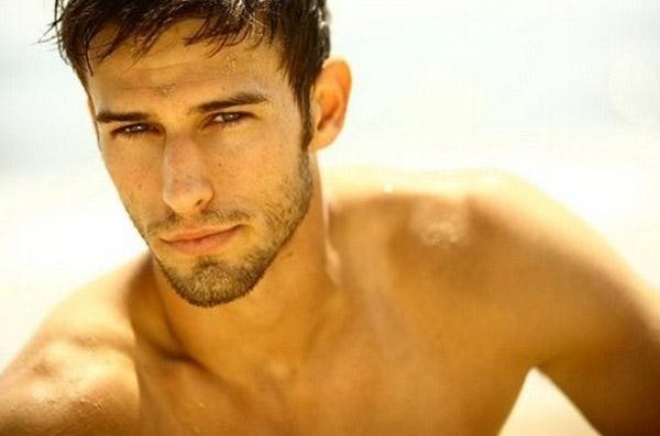 10 đặc điểm nhận dạng người đàn ông háo sắc