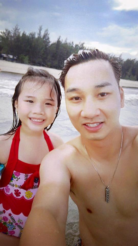 Thành Trung và con gái trở về sau chuyến thăm quê nội tại Quảng Ngãi. - Tin sao Viet - Tin tuc sao Viet - Scandal sao Viet - Tin tuc cua Sao - Tin cua Sao