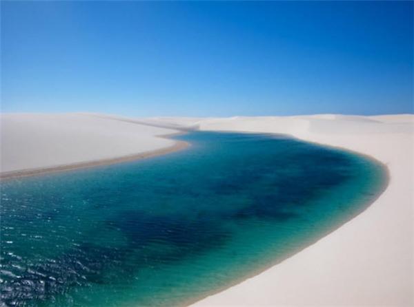 """Du lịch thế giới - Du khách bị hút hồn bởi sa mạc biển – màn """"ảo thuật"""" kì lạ của tự nhiên"""