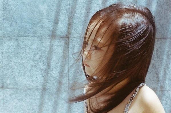 """Theo chia sẻ từ""""thỏi Chocolate biết hát"""", những khoảnh khắc này của bé Sollà hoàn toàntự nhiên vàdo em trai cô chụp lại. - Tin sao Viet - Tin tuc sao Viet - Scandal sao Viet - Tin tuc cua Sao - Tin cua Sao"""