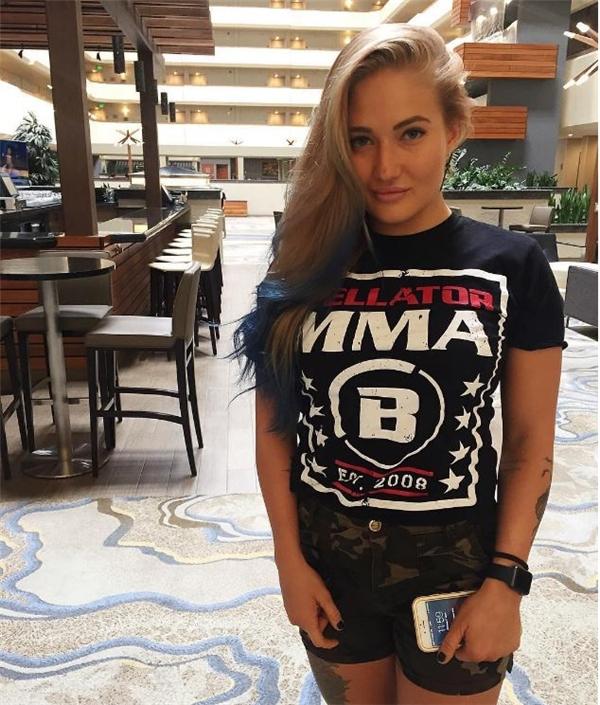 """Cô nàng xinh đẹp Anastasia Yankova là người chiến thắng cuối cùng trong giải Muay Thai tại Nga. Cô bắt đầu sự nghiệp ở bộ môn MMA từ năm 2013 và được gán cho danh hiệu """"Gina Carano của nước Nga"""".(Ảnh Internet)"""