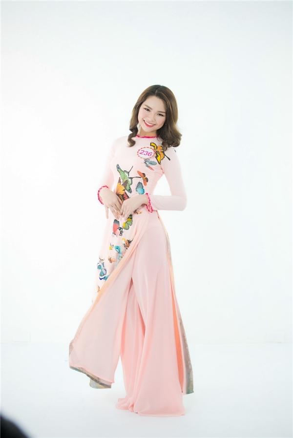 Phan Thu Phương đến từ Hà Nội cũng là đối thủ đáng gờm. Người đẹpsở hữu gương mặt bầu bĩnh, phúc hậu.