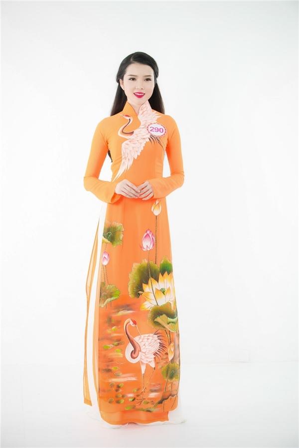 Huỳnh Thúy Vi là thí sinh duy nhất của miền Nam tham gia vòng sơ khảo tại miền Bắc. Cô gái đến từ Cần Thơ gây chú ý bởi chiều cao nổi trội cùng gương mặt thanh thoát.