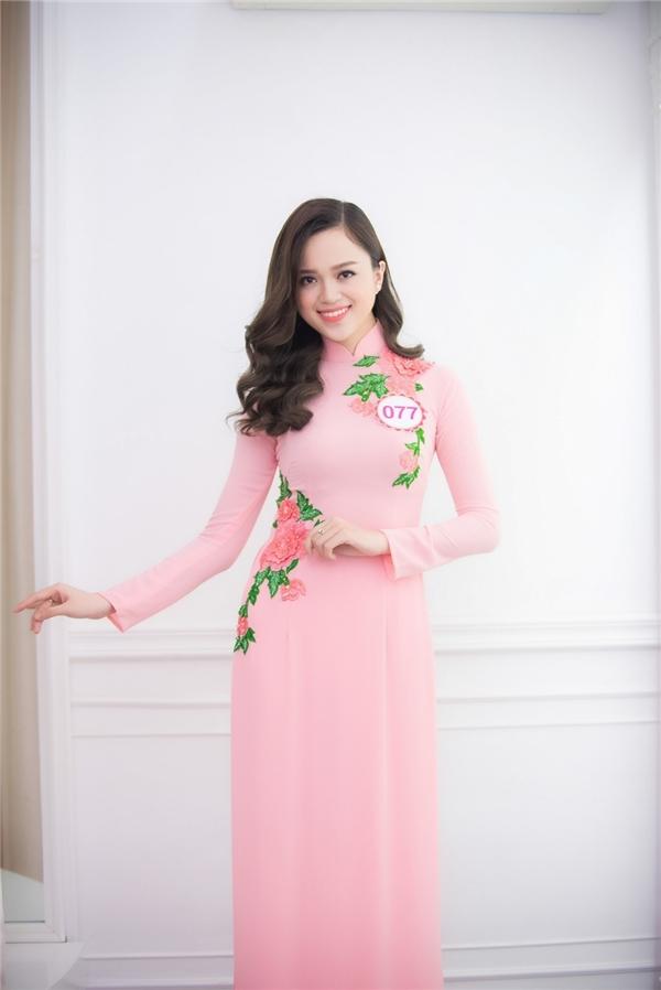 Tô Thị Vân Anh đến từ Hải Dương là thí sinh được ban tổ chức đánh giá cao bởi nét đẹp trẻ trung, hiện đại.