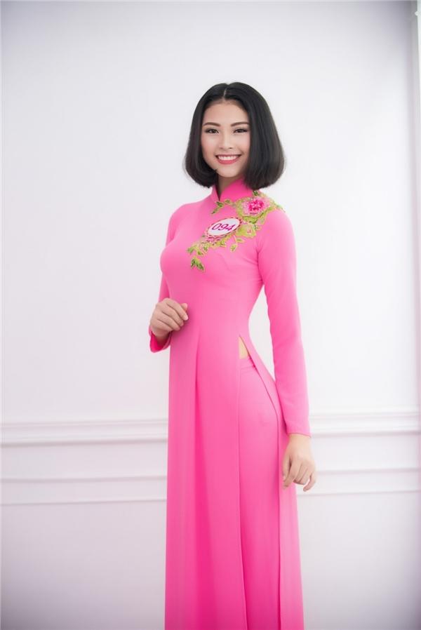 Đào Thị Hà đến từ Nghệ Anmang vẻ ngoài năng động, trẻ trung với mái tóc bob.
