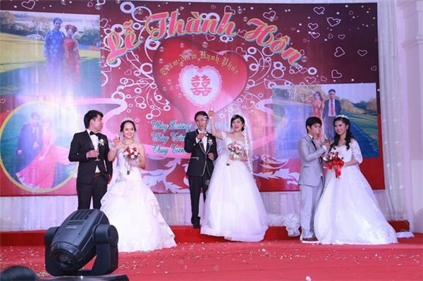 Các cô dâu chú rể quyết định tổ chức đám cưới cùng ngày để tạo ra sự kiện đáng nhớ trong cuộc đời mình.