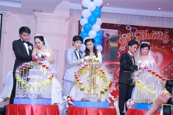 Ba chị em ruột cùng tổ chức đám cưới cùng một ngày.