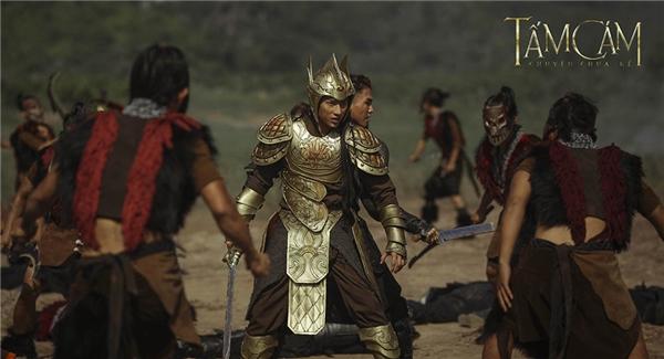 Để có phiên bản áo giáp cuối cùng cho nhân vật Isaac phải mất 3 tháng và 10 gợi ý để đáp ứng yêu cầu đạo diễn vừa đẹp, mạnh mẽ nhưng diễn viên phải cử động được trong các cảnh chiến đấu. - Tin sao Viet - Tin tuc sao Viet - Scandal sao Viet - Tin tuc cua Sao - Tin cua Sao