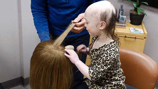 Sự thật về việc quyên góp tóc sẽ khiến bạn rung động