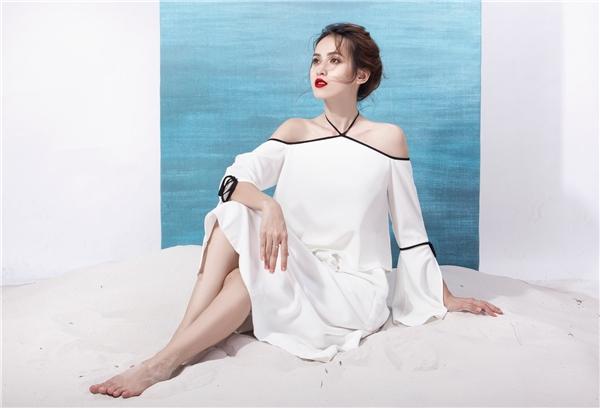 Tú Vi đẹp mong manh với váy áo trắng tinh như mây trời