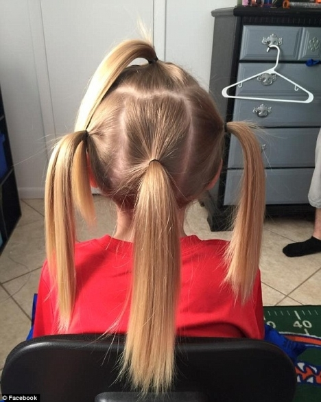 Cậu bé nuôi tóc gần 3 năm trời chỉ để tặng tóc cho những bệnh nhi.