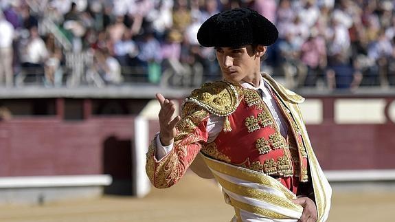 Chân dung của chàng đấu sĩ tài hoa bạc mệnhVictor Barrio.(Ảnh: Internet)