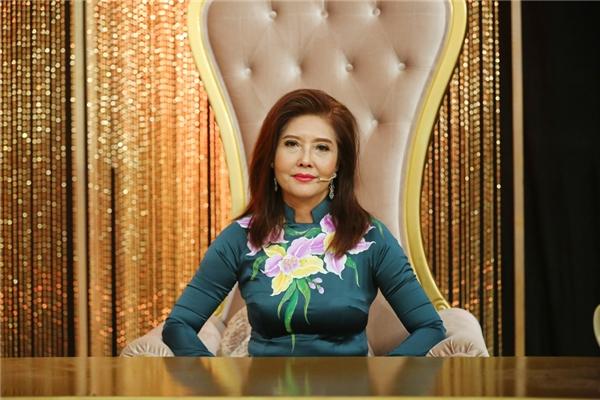Nữ giám khảoHọa Mi cũng hết lời khen ngợiQuý Bình thể hiện ca khúcrất tình cảm và ấm áp. Với bài hátnày, Quý Bình nhận được 39,75 điểm.