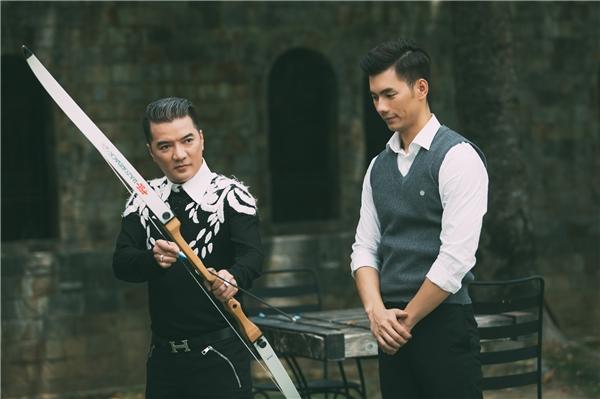 """Ngoài ra,Mr Đàmcòn""""chọn mặt gửi vàng"""" và đặt niềm tin vào nam diễn viên Nhan Phúc Vinh khi ngỏ lời mời anh tham gia diễn xuất trong MV Tan Vỡ."""