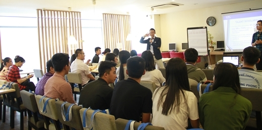 Các bạn học sinh tham dự Ngày hội tư vấn Tuyển sinh và Học bổng đợt 1 (ngày 10/07) tại ERC.