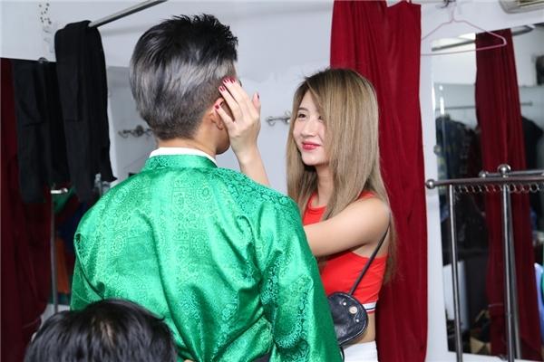 Lộ ảnh thân mật giữa B Trần và Quỳnh Anh Shyn tại quán ăn - Tin sao Viet - Tin tuc sao Viet - Scandal sao Viet - Tin tuc cua Sao - Tin cua Sao