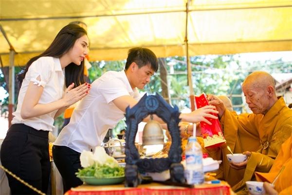 Dù giàu có, vợ chồng Thủy Tiên vẫn chuộng cuộc sống dân dã - Tin sao Viet - Tin tuc sao Viet - Scandal sao Viet - Tin tuc cua Sao - Tin cua Sao