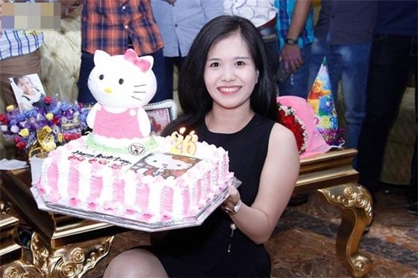 Ngập ngụa trong phòng karaoke dành cho fan Hello Kitty tại Sài Gòn
