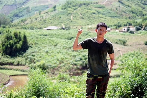 Anh được ba gửi vào quân đội với mong muốn nhận ra giá trị sống và cống hiến sức trẻ cho đất nước.