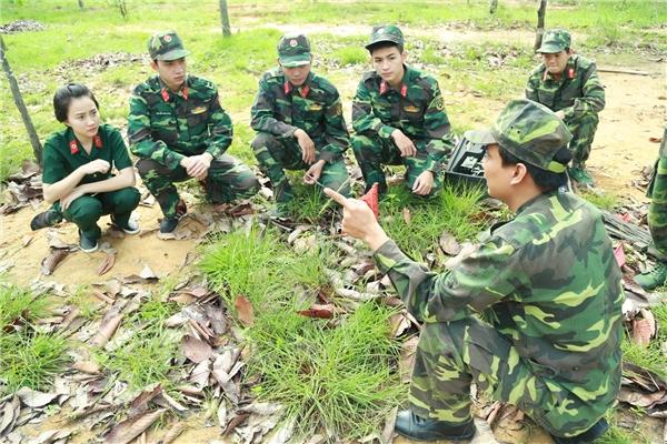 Dàn diễn viên Sứ mệnh trái timđã có thời gian tập huấn tại lữ đoàn công binh 25 (quân khu 7).
