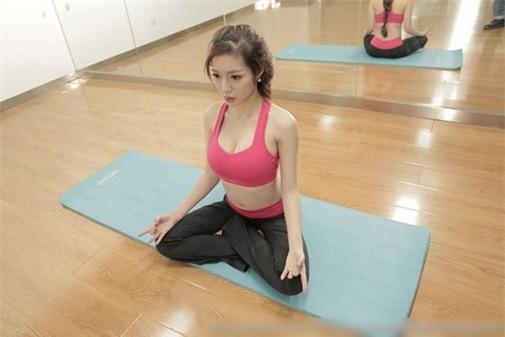 Elly Trần tung bằng chứng không tập gym vẫn có body vạn người mê - Tin sao Viet - Tin tuc sao Viet - Scandal sao Viet - Tin tuc cua Sao - Tin cua Sao