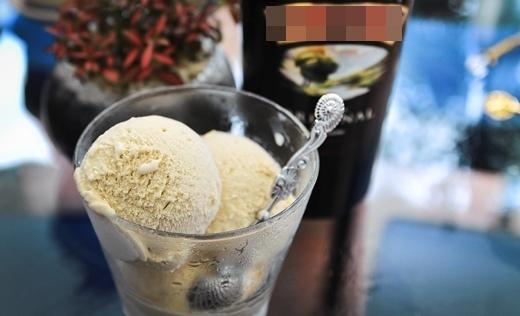 Vị Baileys gelato thơm lừng, mềm mịn mà không hề thấy mùi cồn và vị hăng.