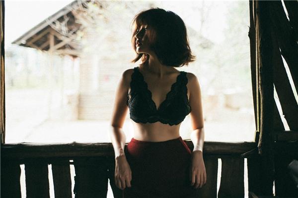 Thời gian qua, Bích Phương đã chăm chỉ luyện tập để cải thiện vóc dáng. Cô dành nhiều thời gian rèn luyện thể chất nhằm có sức khỏe thật tốt để thực hiện những dự án ấp ủ trong năm nay.