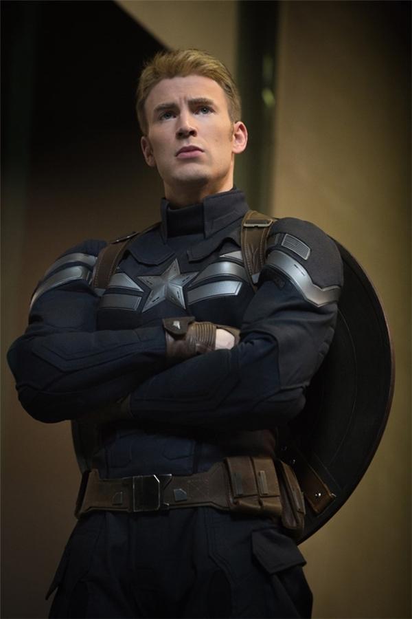 Chris Evans từng 3 lần từ chối vai Captain America.