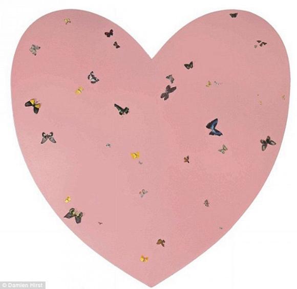 Bức tranh hình trái tim hồng là món quà xa xỉ mà vợ chồng David dành tặng con gái nhân dịp sinh nhật 1 tuổi.