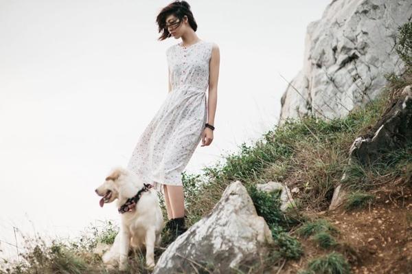 Soda làm mẫu ảnh thời trang cùng Huyền Trang.