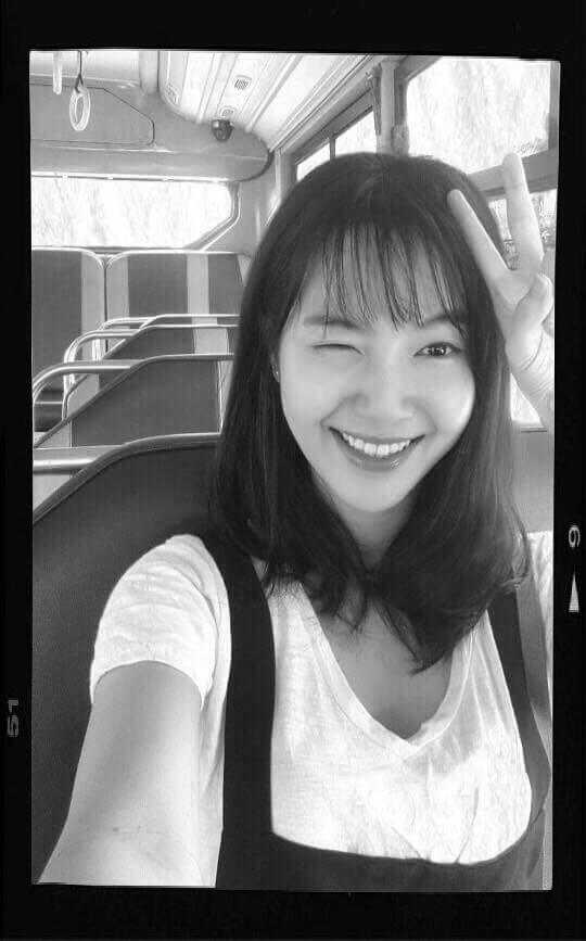 Đây chính là cô gái cực xinh hát hay bị quay lén trên xe buýt