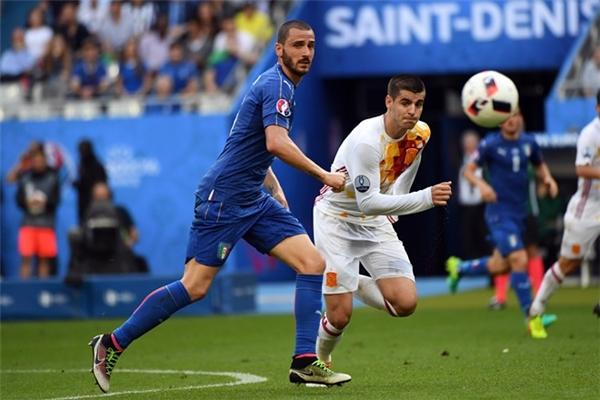 Alvaro Morata (phải) ghi được 3 bàn tại Euro 2016. (Ảnh: internet)