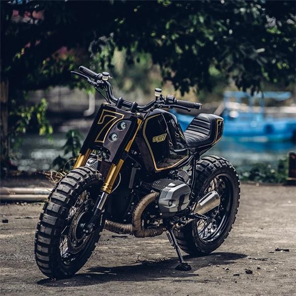 R nine T sở hữu động cơ boxer đặc trưng của BMW, xy-lanh nằm ngang, dung tích 1.170 phân khối, công suất 110 mã lực tại 7.750 vòng/phút và mô-men xoắn cực đại 119 Nm tại 6.000 vòng/phút. Giá bán của R nine T trên thị trường Việt Nam khoảng 600 triệu đồng. (Ảnh: internet)