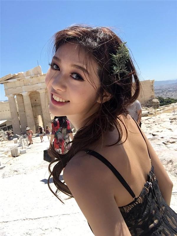 Cô nàng rất thích đi du lịch khắp nơi trên thế giới.
