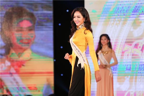 Thí sinh Phạm Thị Ngọc Quý được đánh giá cao cho ngôi vị Hoa hậu Bản sắc Việt toàn cầu 2016. Cô sở hữu chiều cao vượt trội 1m78.