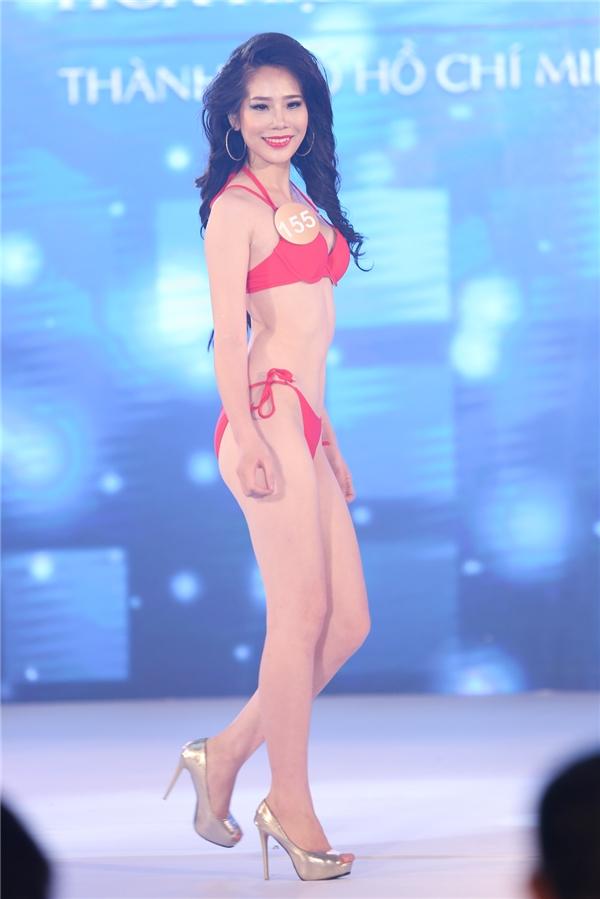 Phần thi bikini luôn được mong chờ nhất bởi các cô gái sẽ phô diễn được tối đa vẻ đẹp hình thể.