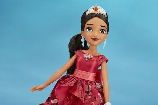 Thậm chí, hãng búp bê Barbie đã cho ra mắt cô công chúa người La-tinh này.